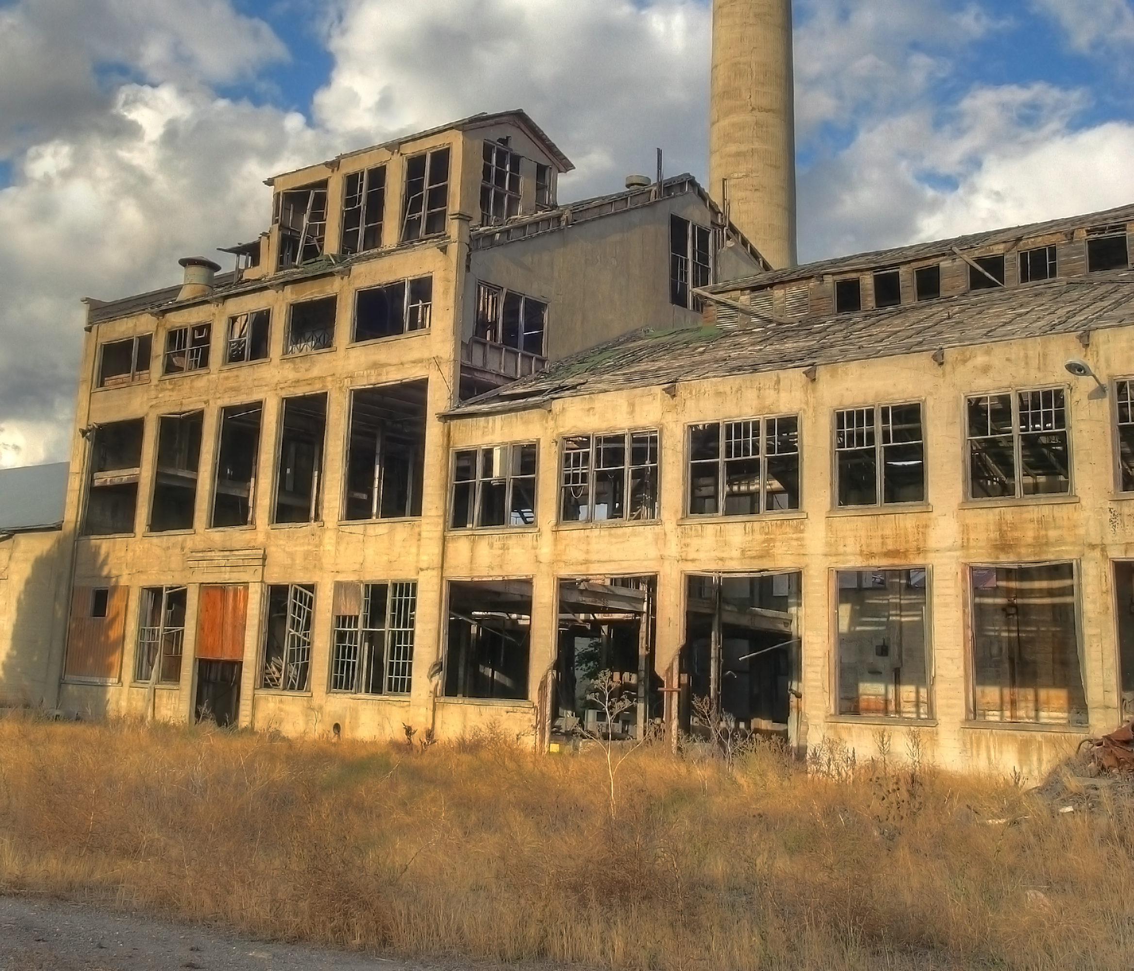 The Stories Behind 10 Modern Abandoned Ruins In Idaho