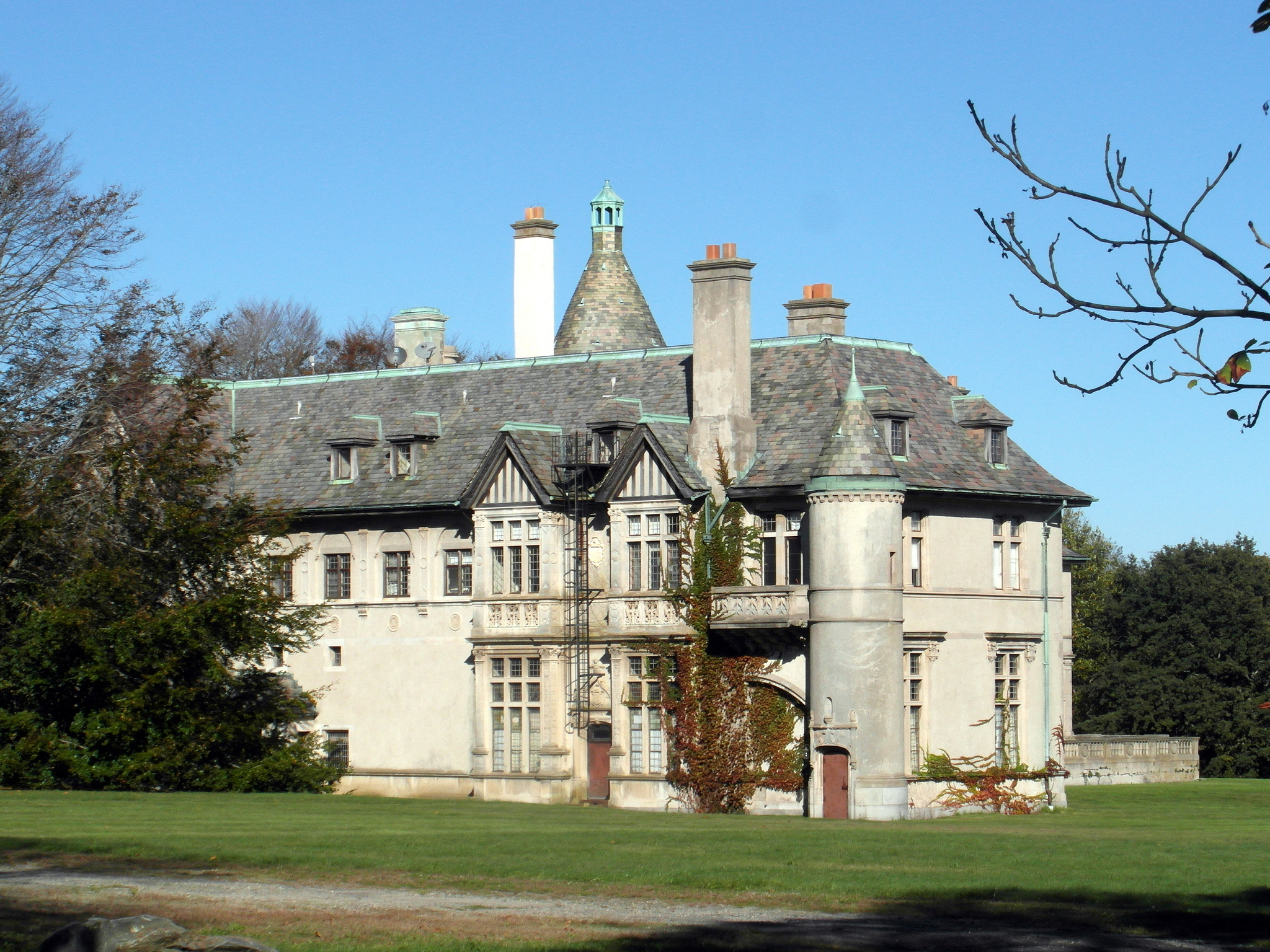 Newport Rhode Island Has An Insane Amount Of Paranormal Activity