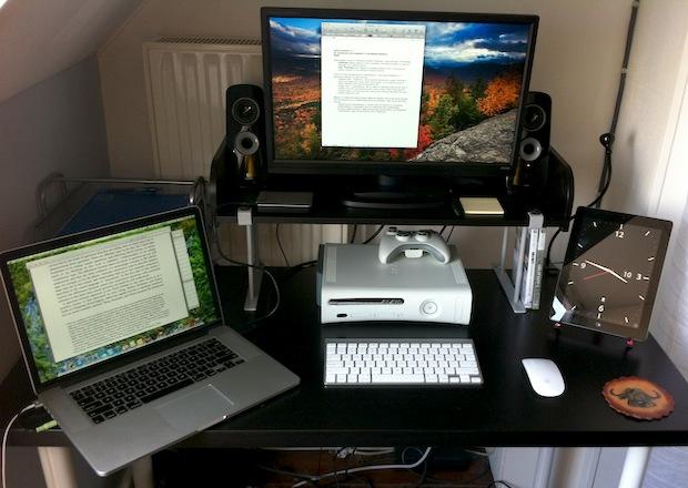 Mac Setup Desk Of A Masters Student