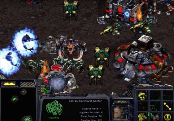 Starcraft screen shots of a battle