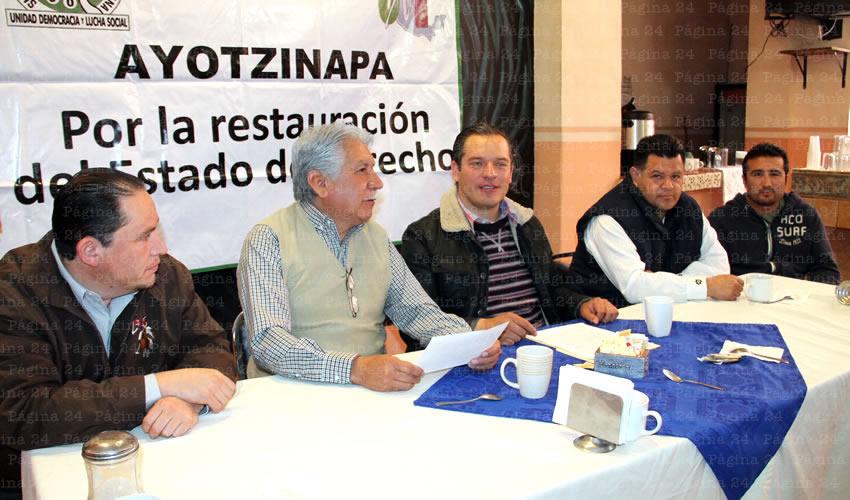 """José Santoyo Cervantes: """"El mitin iniciara en la explanada del Congreso del Estado y de ahí partirá hasta la Plaza de Armas, en punto de las 17 horas, simultáneamente en todos los estados de la república."""" (Foto: Rocío Castro Alvarado)"""