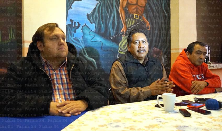 """Felipe Pinedo Hernández: """"Los que hemos egresado de la UAZ, contamos con muchas prestaciones. Tenemos becas de transporte, de comedor, de casas estudiantiles, además de las cuotas de recuperación, que son mínimas, pero que ahora, para los nuevos aspirantes, los ponen en un escenario realmente complicado"""" (Foto: Merari Martínez Castro)"""