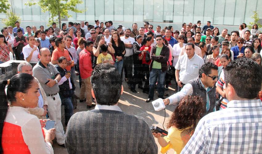 Alejandro Rivera Nieto: Otra problemática que presentan es que a cada trabajador le están dando hojas para que hagan redes para las próximas elecciones, en beneficio del Partido Revolucionario Institucional (Foto: Rocío Castro Alvarado)