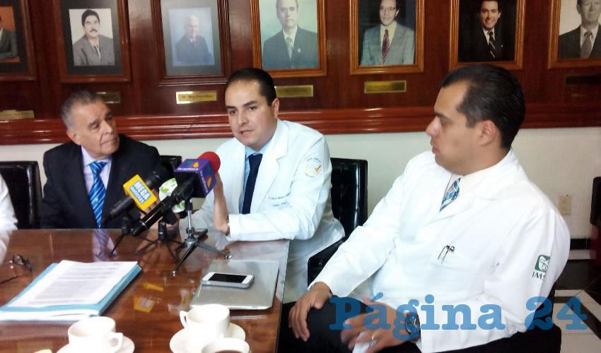 Integrantes de la Asociación Civil #Yosoymédico17 y #Yosoy17, pidieron un juicio justo para los médicos que son denunciados por negligencia/Foto: Francisco Tapia