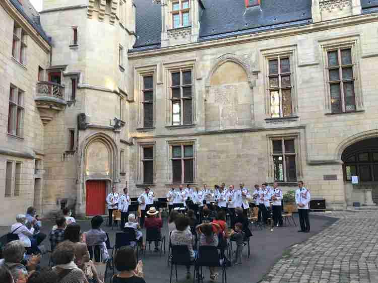 Musique des Gardiens de la paix de la Préfecture de Police – Que Faire à  Paris ?