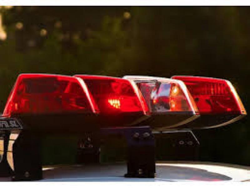 Police Arrest Knife-wielding Suspect