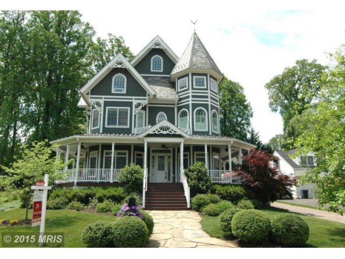 Falls Church  WOW  House  Victorian with Wraparound Porch   Falls         Falls Church  WOW  House  Victorian with Wraparound Porch