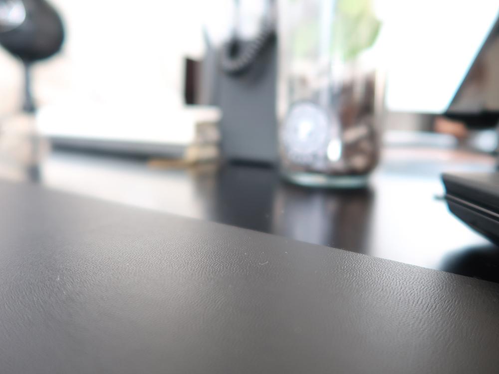 Desk pad x Autonomous Standing Desk