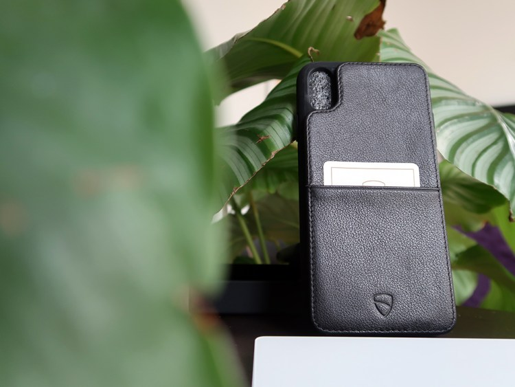 Vaultskin wallet case is incredibly strong!