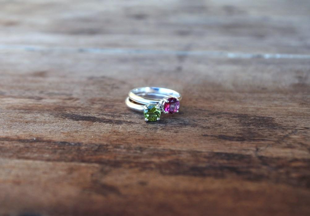 Un gioiello artigianale di Sepi Gioielli è il regalo perfetto per festeggiare un anno d'amore.