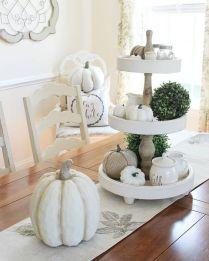 tavola in autunno