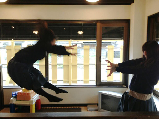 Faking Anime Fight Scenes is Emerging As a Fun Photo Fad in Japan attack4