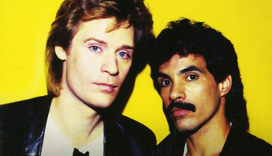 mano a mano the best of daryl hall and john oates humanizing the vacuum. Black Bedroom Furniture Sets. Home Design Ideas