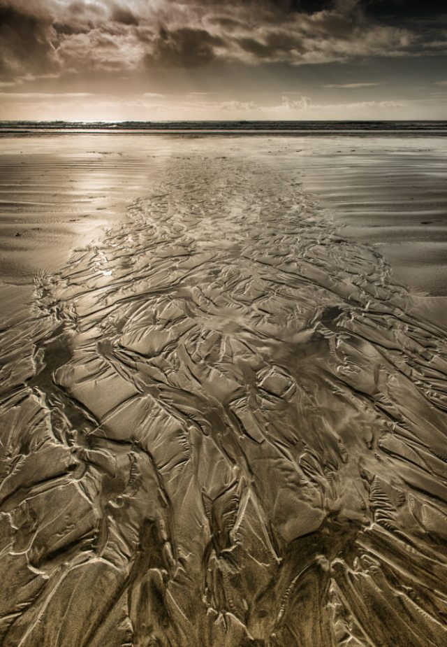 Veins in the Sand