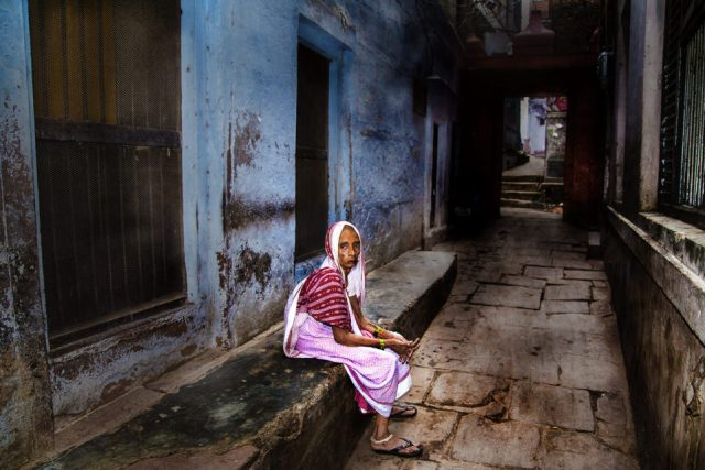 18.-doc.-Chatterjee-Street-Widows-Varanasi-India