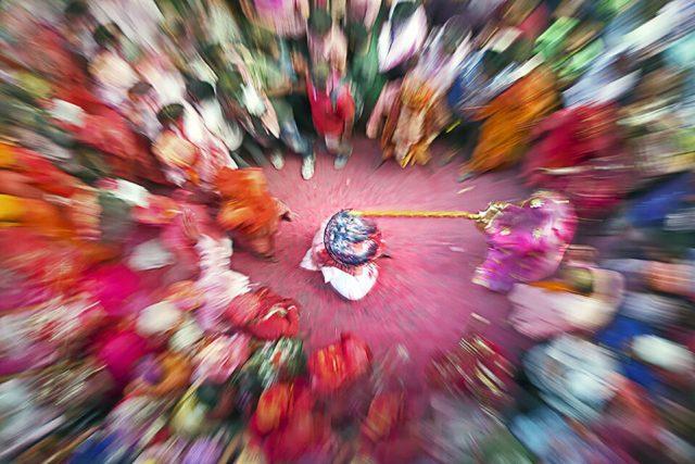 2.-Barsana-Latmar-Holi_Chatterjee