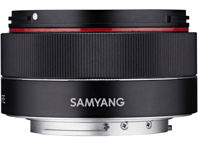 One of the few modern pancake lenses is the ultralight Samyang 35mm f/2.8 for Sony E mirrorless cameras.