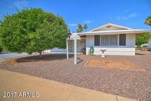 12202 N LINDSAY Drive, Sun City, AZ 85351