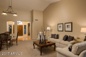 9826 W TONTO Lane, Peoria, AZ 85382