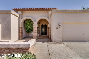 More photos coming!!! Just Listed!