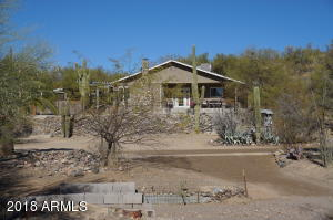 34335 S CHOLLA Drive, Black Canyon City, AZ 85324
