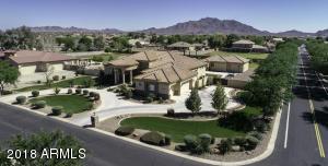 2611 E MEADOWVIEW Drive, Gilbert, AZ 85298