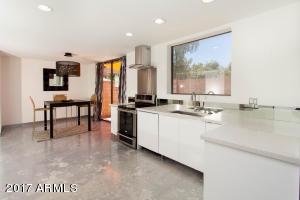 7102 N 11TH Drive, Phoenix, AZ 85021