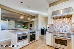 10464 E CANDLEWOOD Drive, Scottsdale, AZ 85255