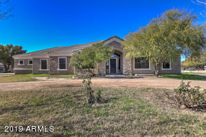 6086 S RECKER Road, Gilbert, AZ 85298