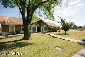 2702 E VAUGHN Avenue, Gilbert, AZ 85234