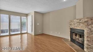 1840 E MORTEN Avenue, 129, Phoenix, AZ 85020