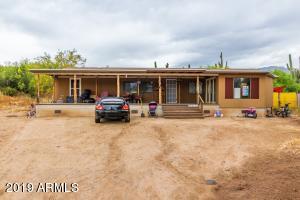 18754 E VALLEY Circle, Black Canyon City, AZ 85324