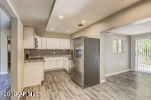 5222 E WINDSOR Avenue, Phoenix, AZ 85008