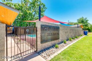 402 S BECK Avenue, Tempe, AZ 85281