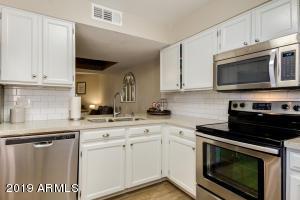 9340 N 92ND Street, 214, Scottsdale, AZ 85258