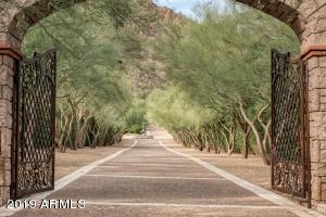 5612 N YUCCA Road, Paradise Valley, AZ 85253