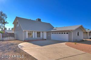 8443 E BONNIE ROSE Avenue, Scottsdale, AZ 85250