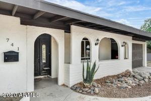 741 S Edgewater Drive, Mesa, AZ 85208