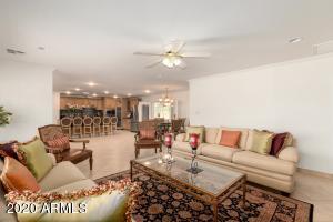 6825 E VIRGINIA Avenue, Scottsdale, AZ 85257