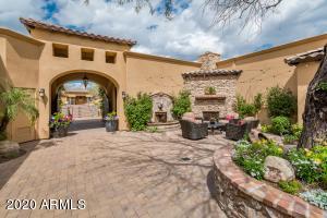 9943 E WHITEWING Drive, Scottsdale, AZ 85262