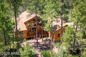 Lovely Turn Key Cabin Home Nestled in the Tall Pines!