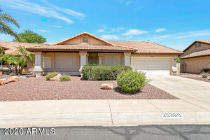 Welcome home to one of Peoria's premier active adult communities - Ventana Lakes.
