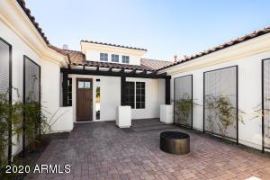 8420 N DILLER GROVE Lane, Phoenix, AZ 85021
