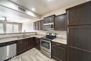 21655 N 36TH Avenue, 136, Glendale, AZ 85308