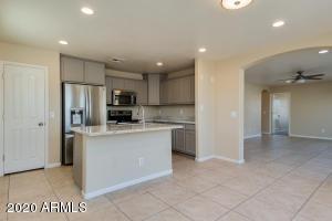509 E PACIFIC Drive, Avondale, AZ 85323
