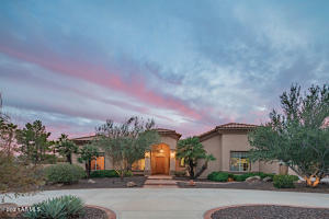 5621 W SOFT WIND Drive, Glendale, AZ 85310