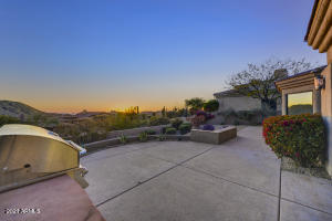 Offering a wonderful outdoor area with fabulous city light and mountain views.