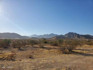 Amazing views around your new home! 2409 sqft, 4 bed, 2.5 bath, 3 Car Garage on an Acre. No Association! 0 W. South Mountain Road, Goodyear, AZ 85338.
