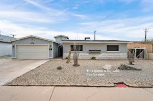 8013 W PINCHOT Avenue, Phoenix, AZ 85033