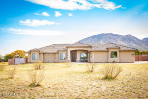 8945 S MULE Place, Hereford, AZ 85615